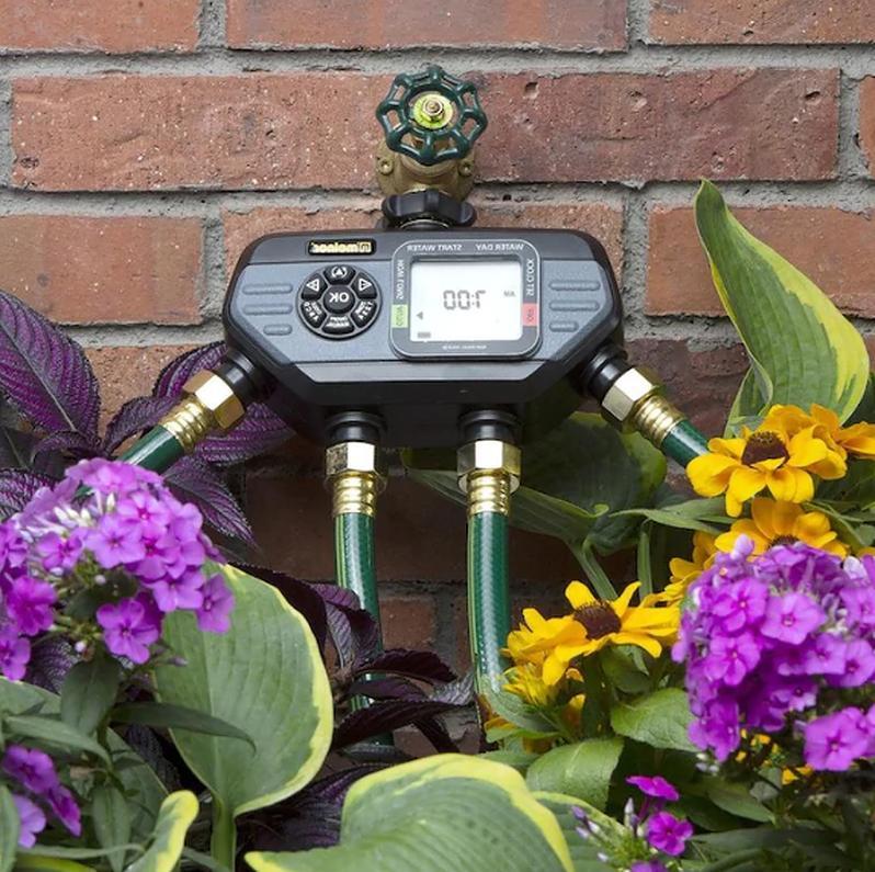 Melnor Output Port Water Sprinkler